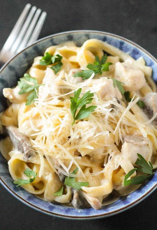 One Pot Chicken & Mushroom Linguine Tetrazzini