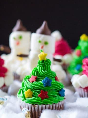three-easy-christmas-cupcakes-2