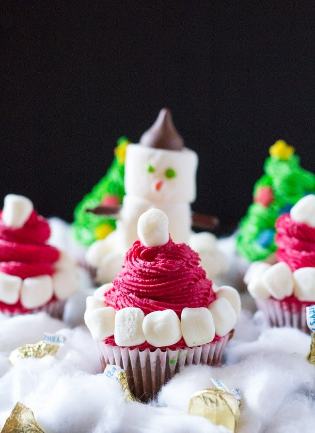three-easy-christmas-cupcakes-2