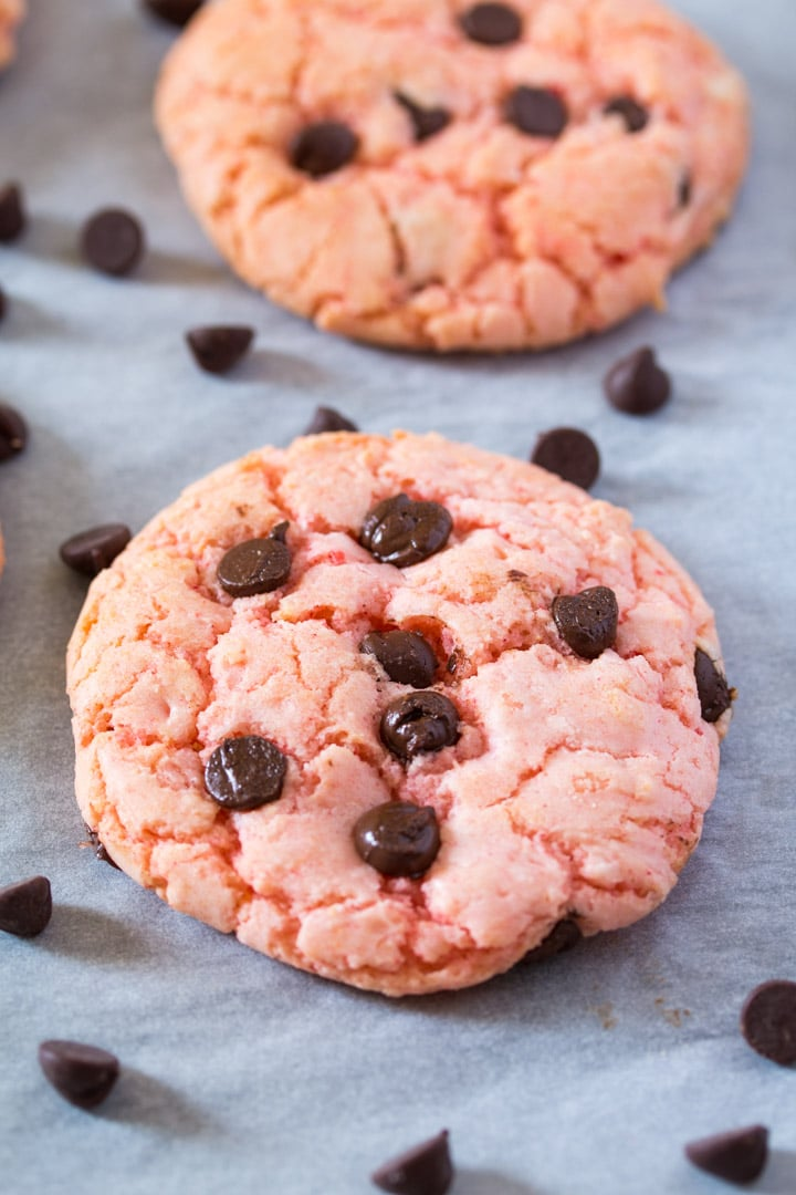 Chewy Strawberry Cake Mix Cookies I Knead To Eat