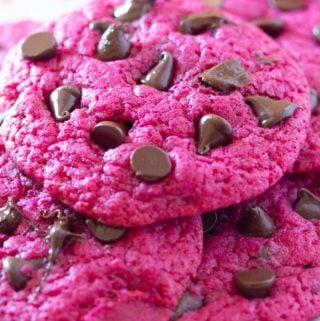 strawberry cookies with chocolate chips